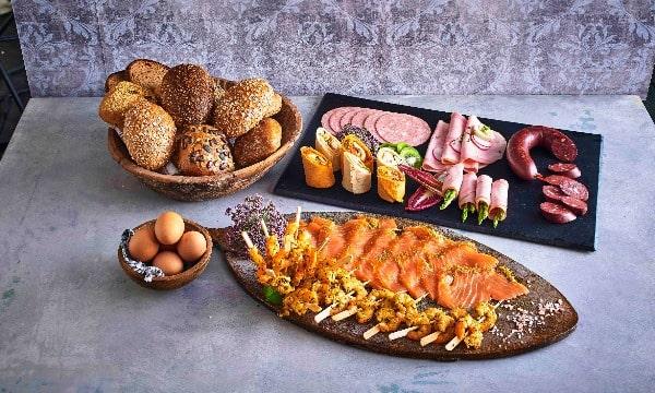 Club-Frühstück