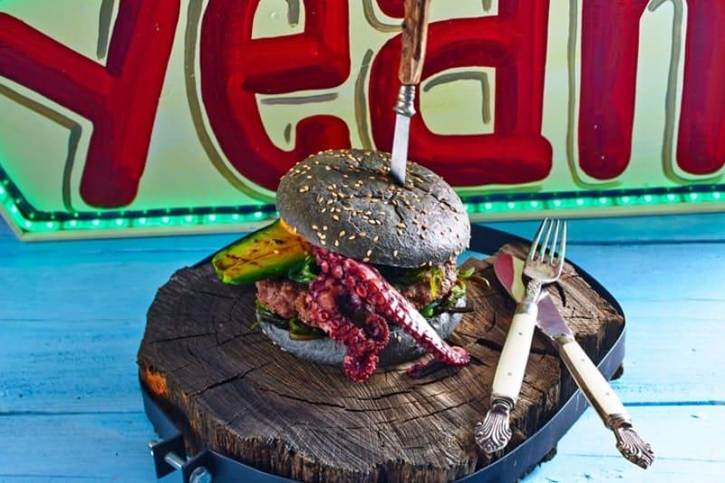 Black Pearl Burger