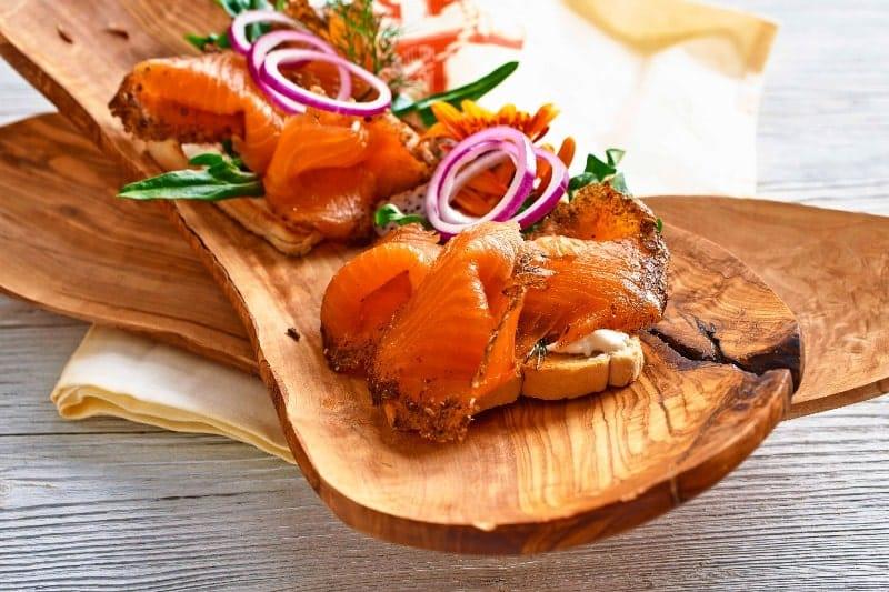 Toast mit isländischem Lachs